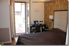 Hotel_Touring_Bologna_desk