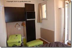 Hotel_Touring_Bologna_wardrobe_TV