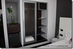 Savhotel_Bologna_wardrobe